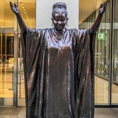 Zimbabwean scholar Tererai Trent stands tall alongside Oprah as New York statue unveiled