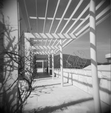 Load image into Gallery viewer, Holga 120N Camera - White