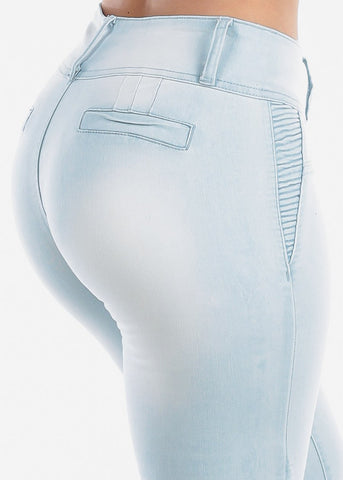 Image of Mid Rise 3 Button Butt Lifting Levanta Cola Colombian Design Light Wash Denim Capris