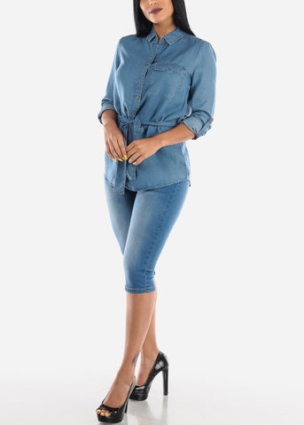 Image of Light Wash Mid Rise Denim Capris
