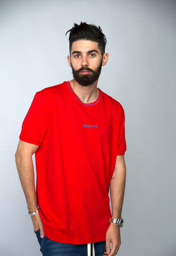 TEE-SHIRT BELIEVE - ROUGE