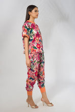 Load image into Gallery viewer, Kimono Top in Potpourri Print