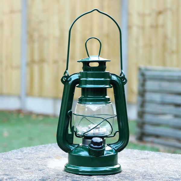 Retro LED Stormlamp, op Batterijen, Decoratieve Tuinlamp, Groen