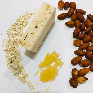 Honey Oats and Almond Bar - MOONCHILD PRODUCTS