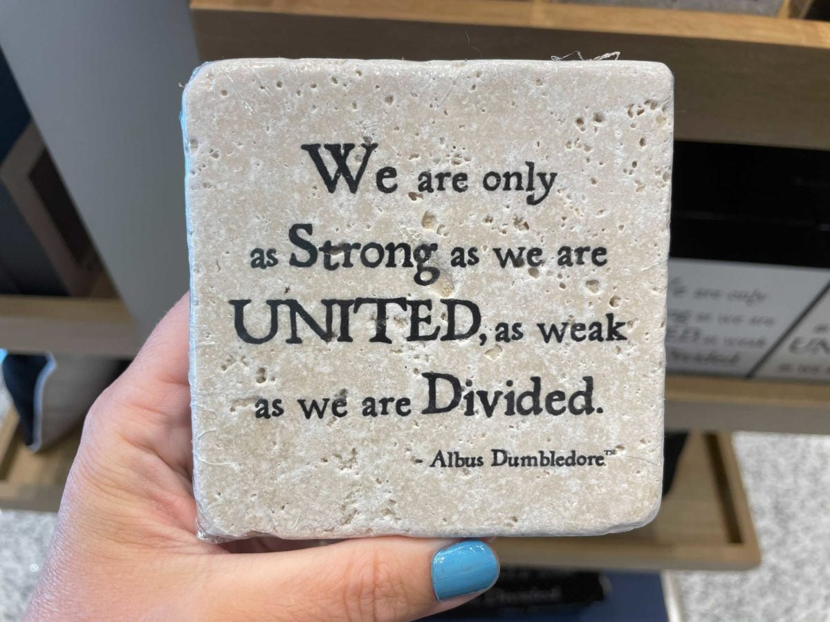 Universal Studios Harry Potter Dumbledore United Quote Coaster