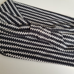 Black / white zig zag print headband