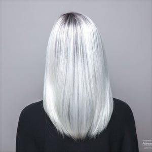 back view of dakota wig in colour illuminia r