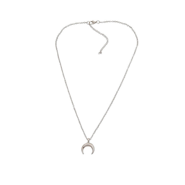 Favor Follows Me Crystal Heart Necklace - Iconic Style Inc.