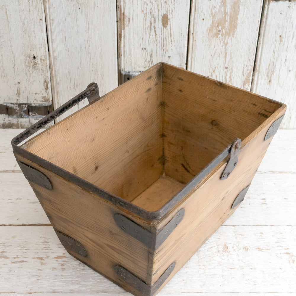 Load image into Gallery viewer, VINTAGE PINE MAIDS BUCKET