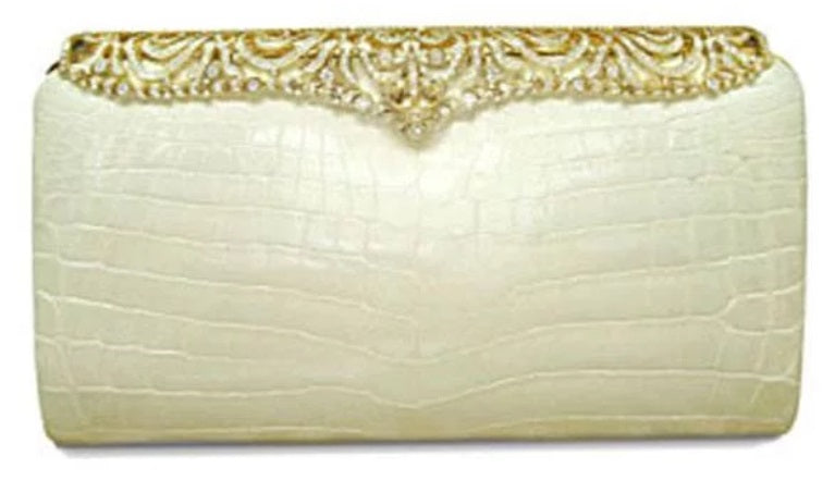 7c4ae90ccf03 This bag is specially designed with American alligator leather, and  encrusted with 1600 white diamonds.