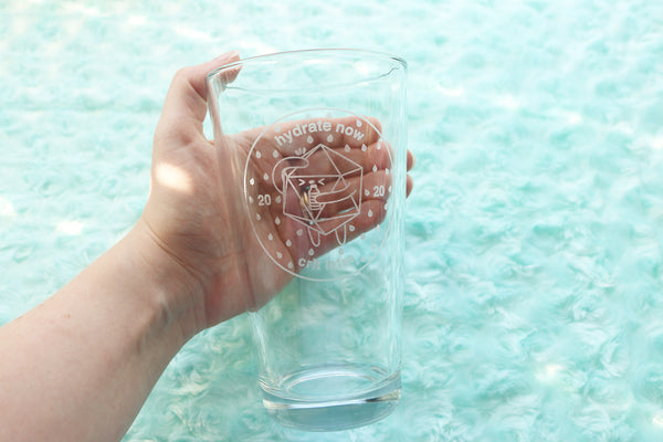 Water Drinking D20 Pint Glass