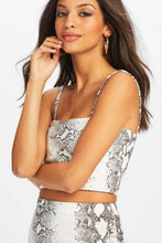 Load image into Gallery viewer, U.MAY2019 Kelhani Crop Top White