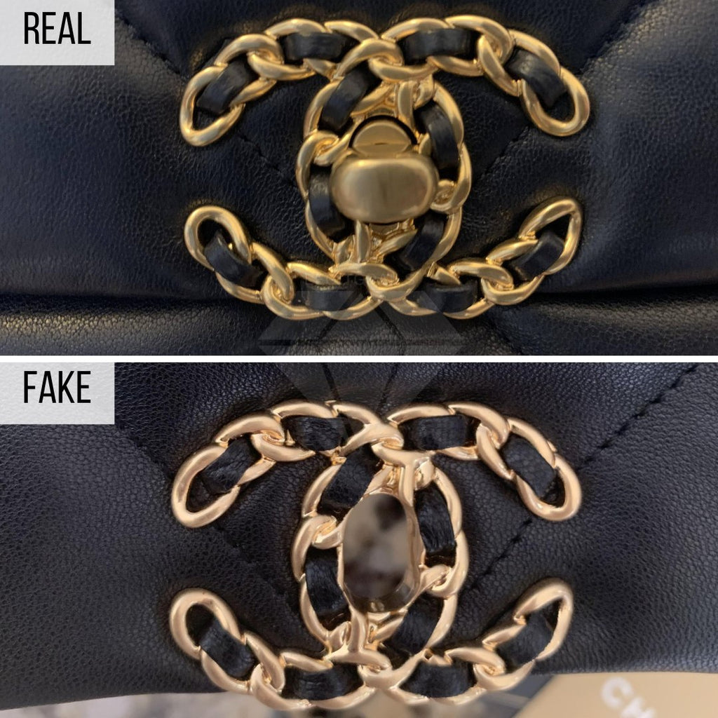 Chanel 19 Bag: The Buckle Method
