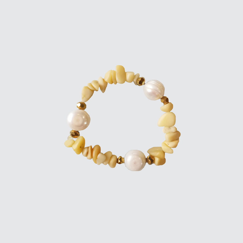 Yellow corals, crystals and pearls bracelet