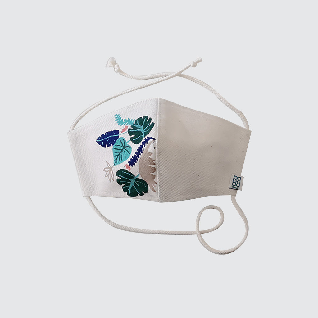 REUSABLE FABRIC MASK WITH LEAVES DRAWING