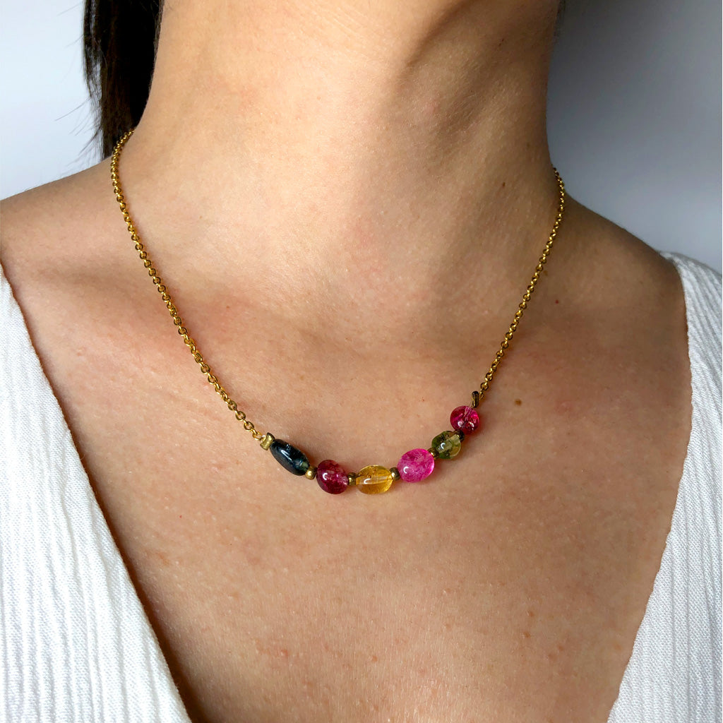 Short NECKLACE Multicolor Tourmaline on model