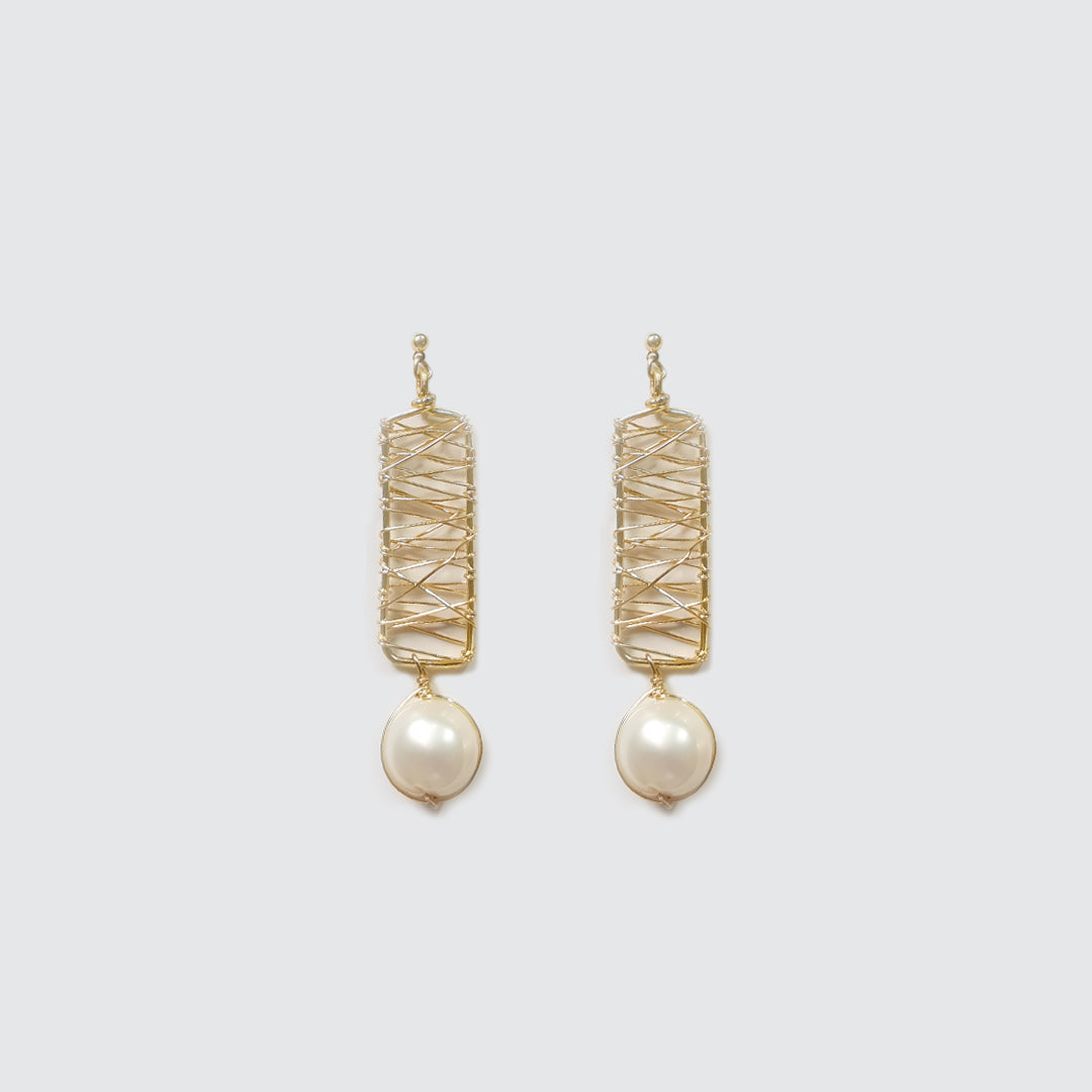 Woven Wire and Pearl Earrings