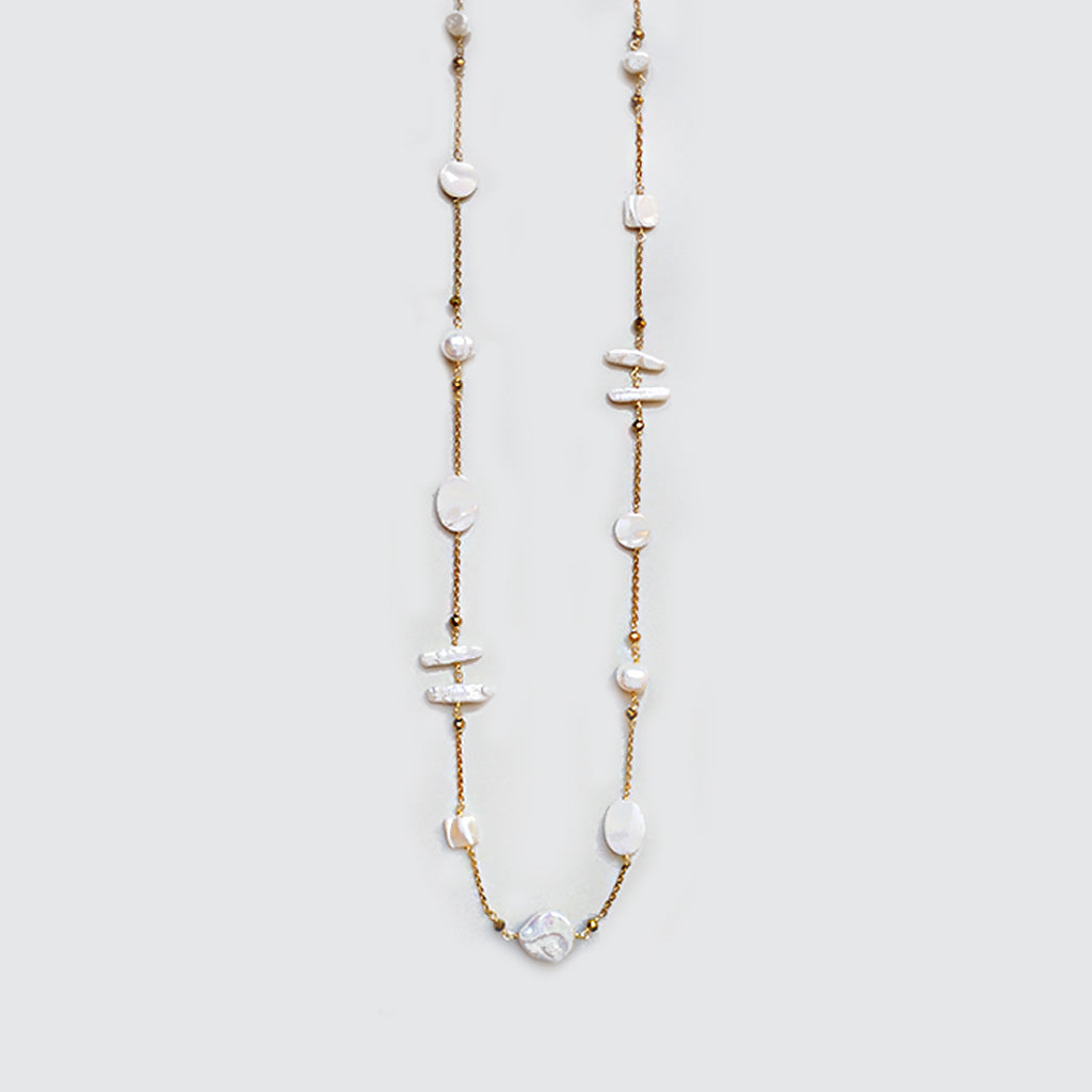 Pearls and Nacar Long Necklace