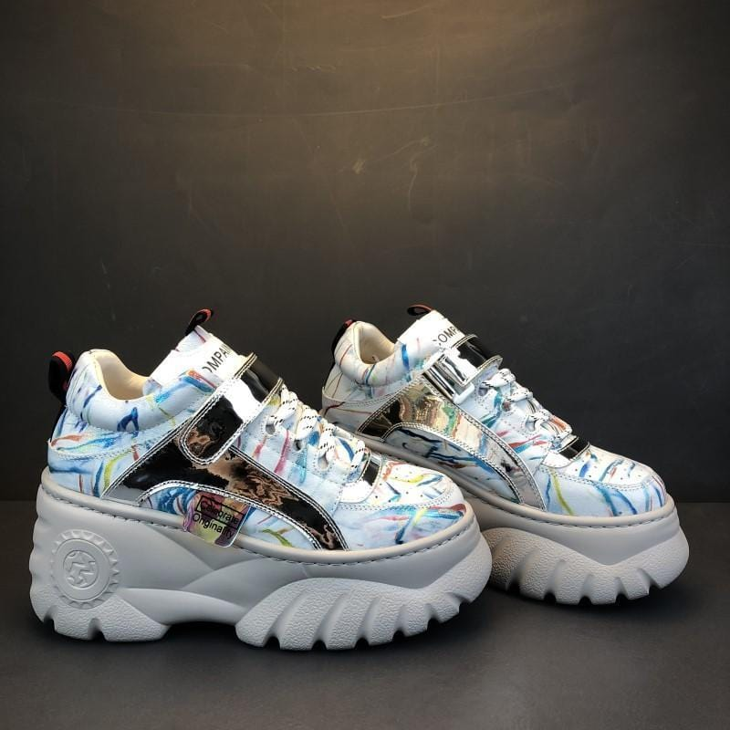 SPORTY COLORFUL STROKES HOLOGRAPHIC THICK PLATFORM SNEAKERS