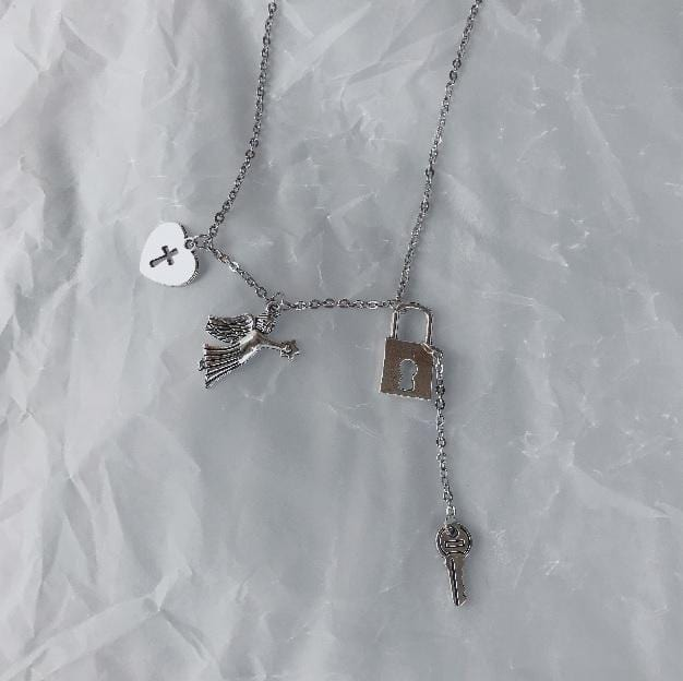 VINTAGE PENDANTS SILVER CHAIN NECKLACE