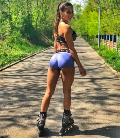 3 Easy Steps to Staying on Track-Weight Loss, Girl on rollerblades Teatox
