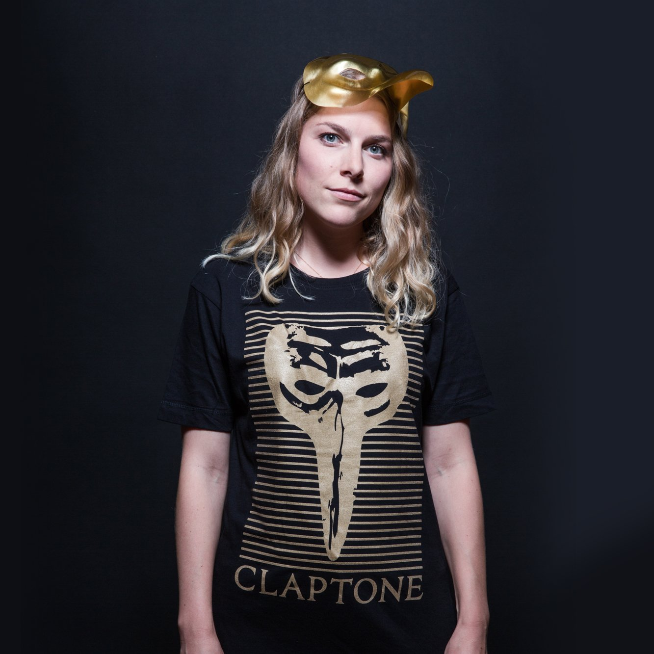 Block Mask Gold Tee Girl - Black