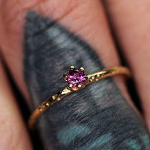 Load image into Gallery viewer, 14K yellow gold & Idaho rhodolite garnet ring (LIMITED EDTION; sizes 3–12)