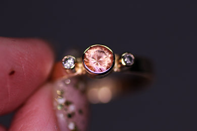 14K yellow gold & Oregon sunstone with ethical diamonds ring (size 7)
