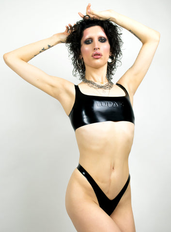 Black latex sports bra, queer techno Berlin fashion, berghain, kitkatclub