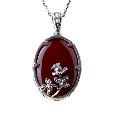Oval agate pendant with mini rose ( Carnelian )