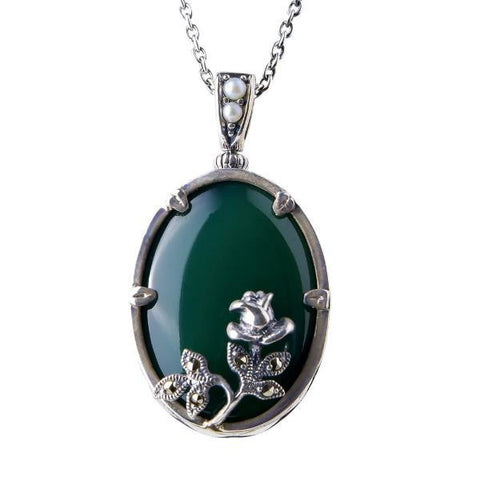 Oval agate pendant with mini rose ( Green Agate )