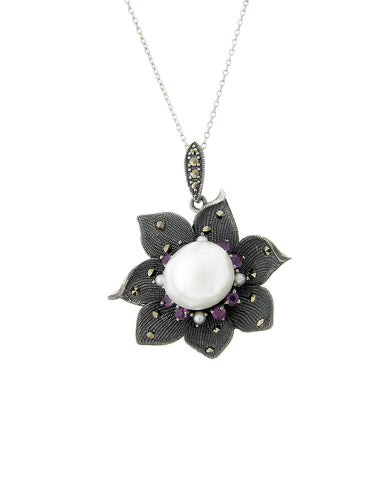Wild Flower Pendant with Baloque Pearl (Ruby)