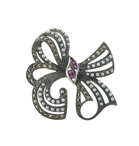 Flowing and Dimensional Bow Brooch Pin