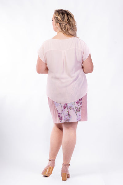 Forget-Me-Not Lola short sleeve blouse pattern in rose, full length rear photo of untucked plain blouse variant