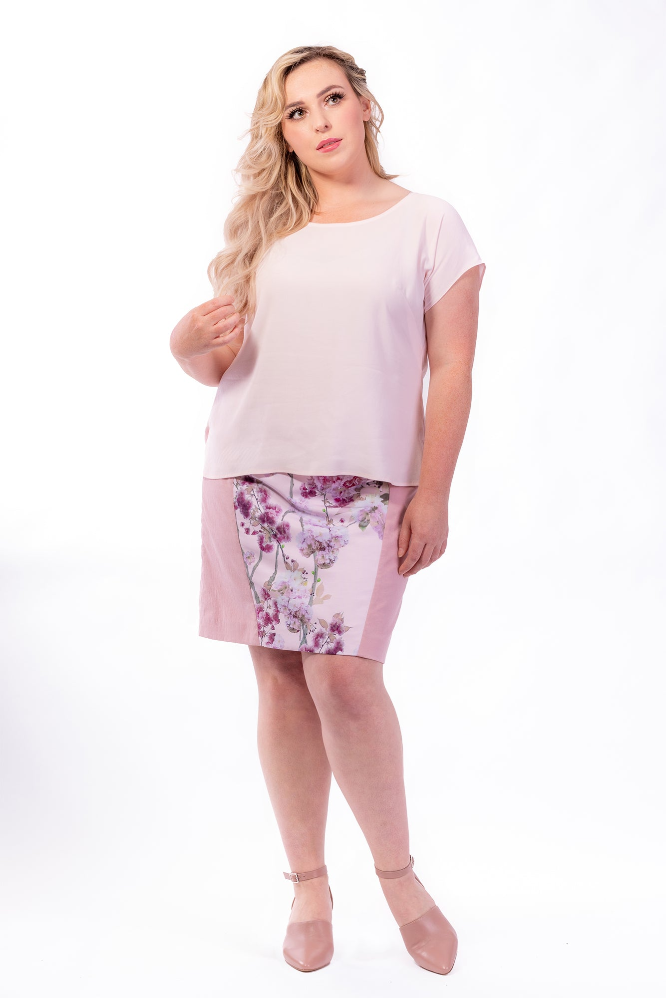 Forget-Me-Not Lola short sleeve blouse pattern in rose, full length photo