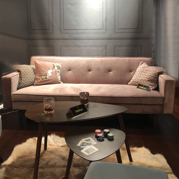 "PLAYBOY - Sofa ""SHIRLEY"" gepolsterte Couch mit Bettfunktion, Samtstoff in Grau mit Massivholzfüsse, Retro-Design,Sofas & Ottomane - playboy"
