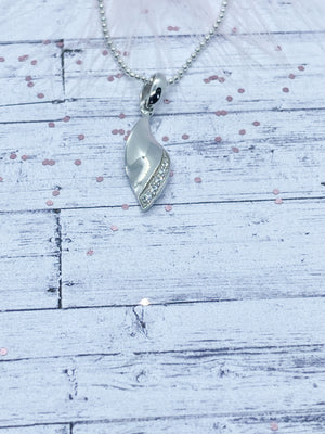 Sterling Silver leaf pendant | Eve and Flamingo