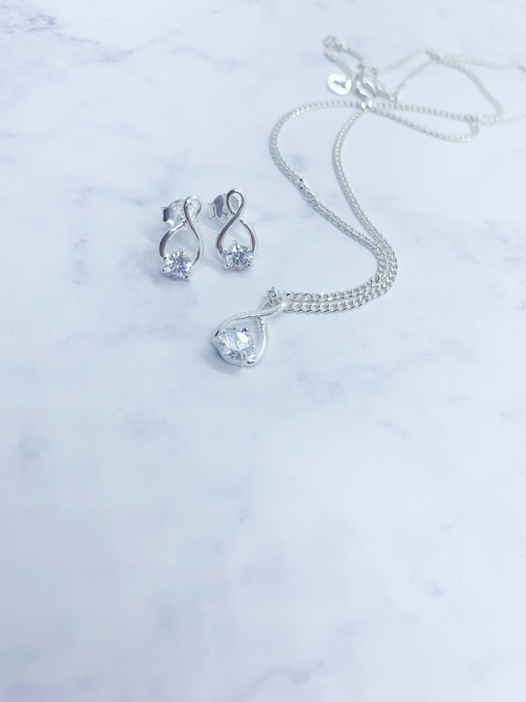 925 Sterling Silver Cubic Zirconia twist set - Eve & Flamingo