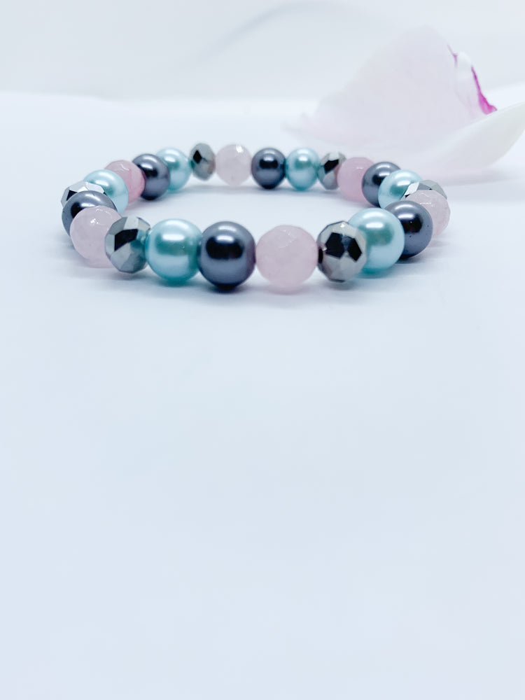 Pearl and Semi-Precious Bracelet - Eve & Flamingo