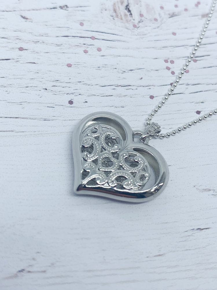 Sterling Silver Lace Heart Pendant - Eve & Flamingo