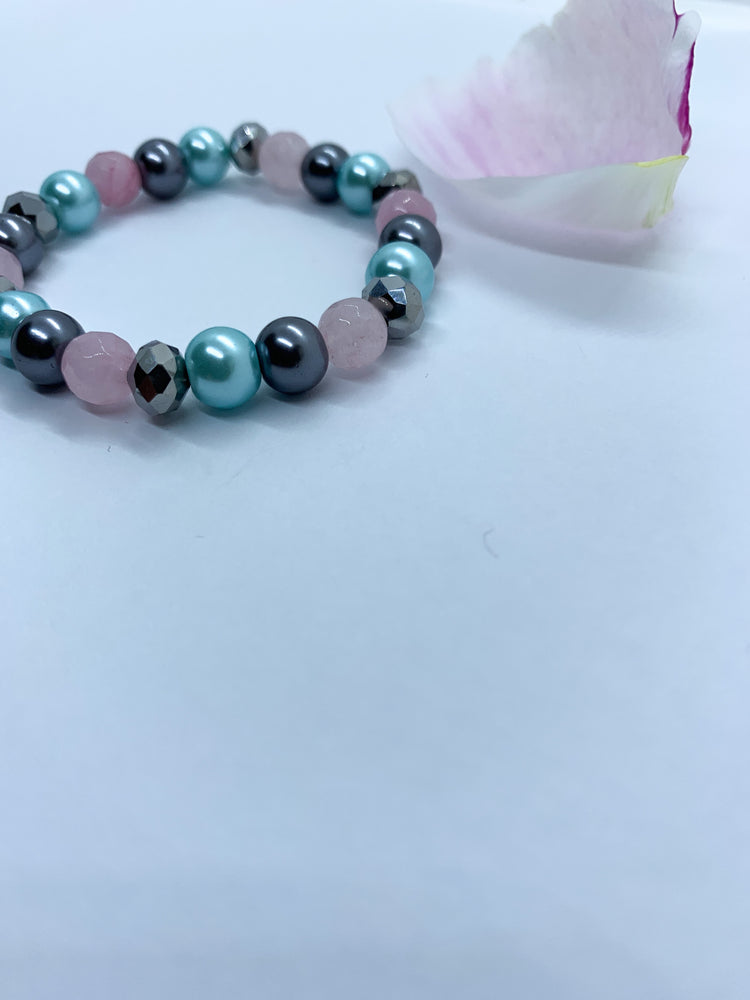 Semi-Precious and Pearl Bracelet - Eve & Flamingo