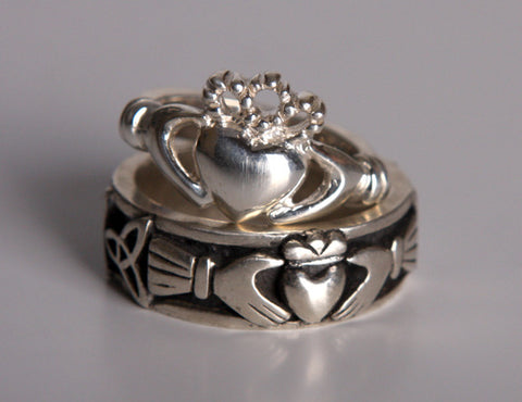 Men's Irish Claddagh Ring