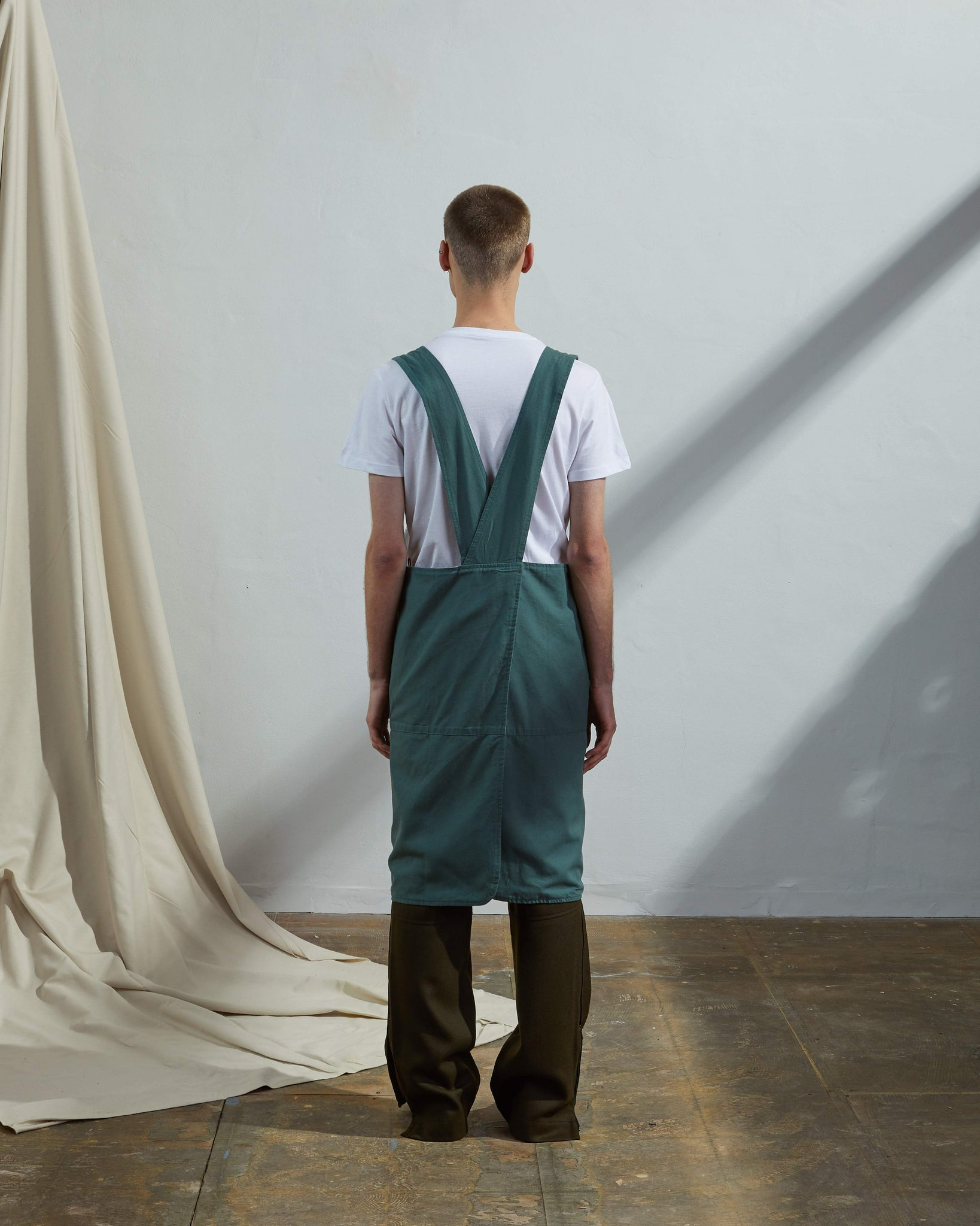 Back shot Uskees green cotton Japanese Style apron for men and women