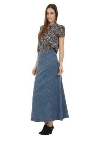 Angled frontal view of stonewash stretch denim skirt.