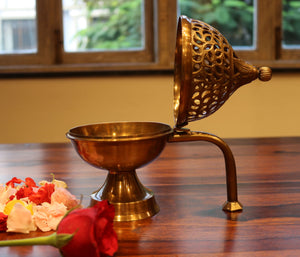 Brass Dhuna Gift Set with Stand