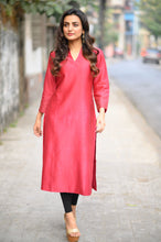 Load image into Gallery viewer, Maroon Chanderi Kurta