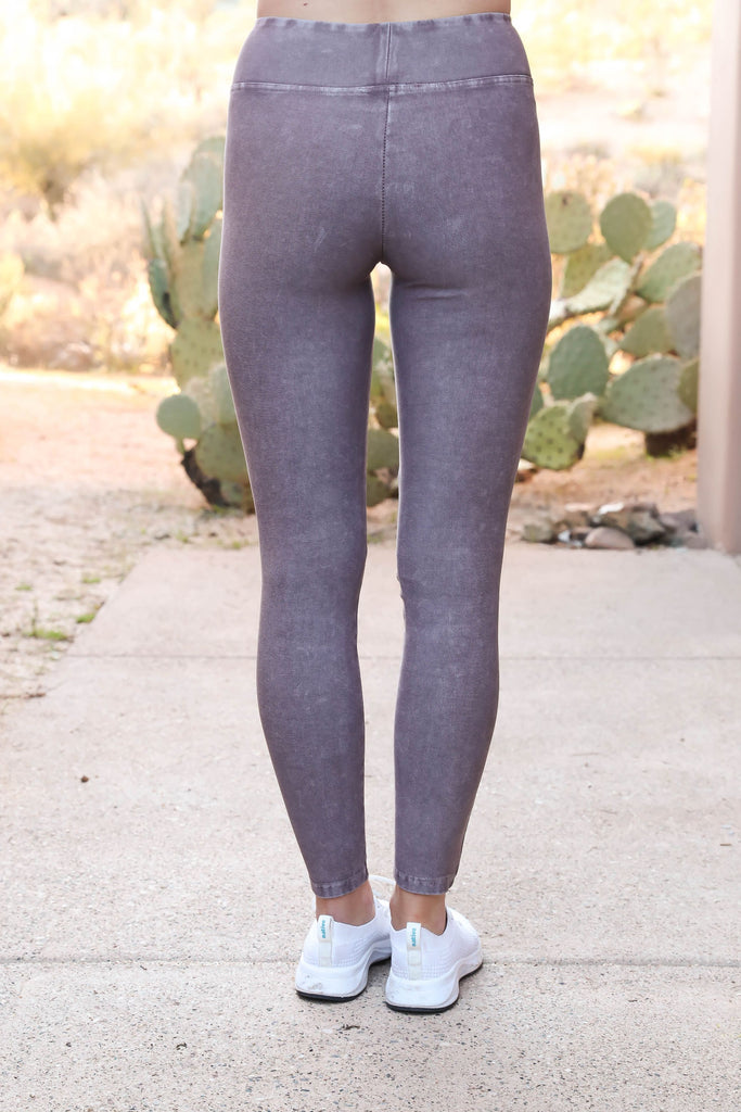 Move On Mauve Motto Leggings