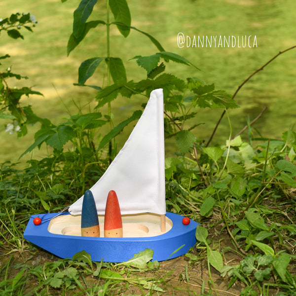 NIC/Glueckskaefer Sailing Boat