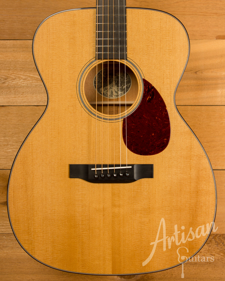 Collings OM1 Guitar Baked Sitka Spruce and Mahogany ID-10968 - Artisan Guitars