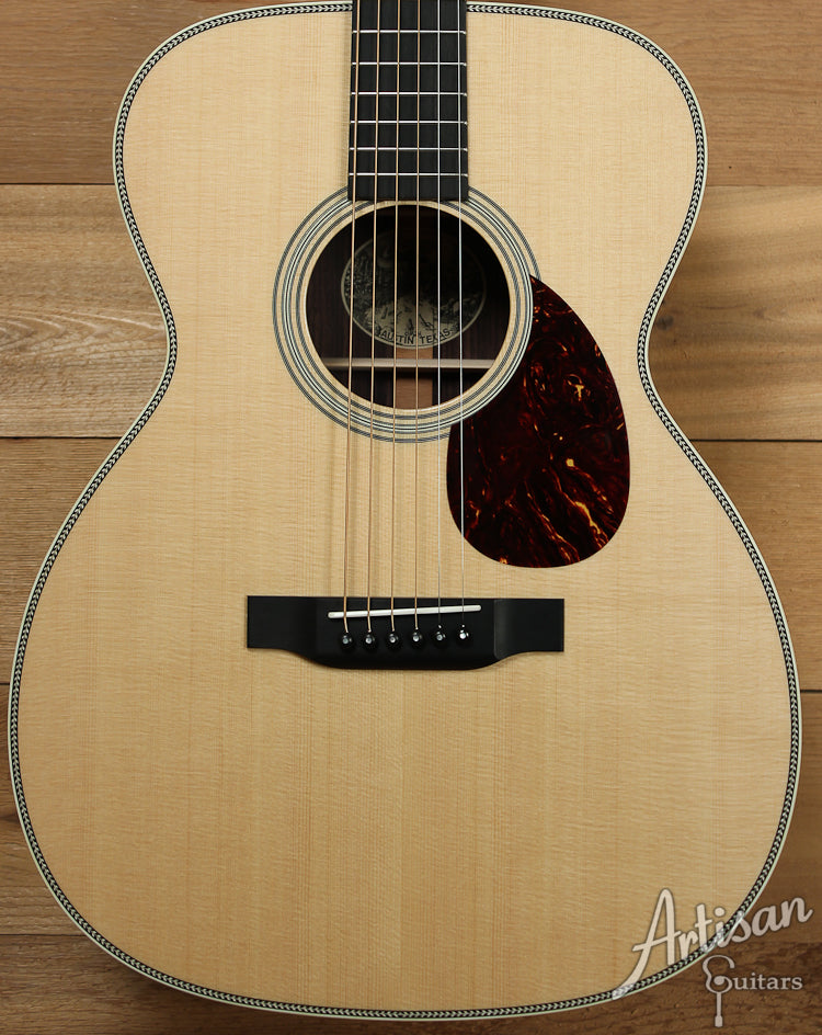 Collings OM2H Sitka Spruce and Indian Rosewood ID-7312 - Artisan Guitars